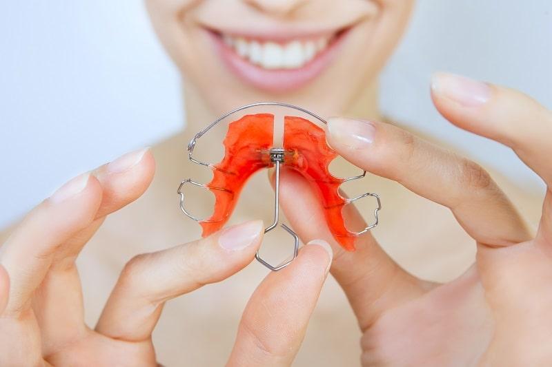 ortodoncja aparat rzeszów